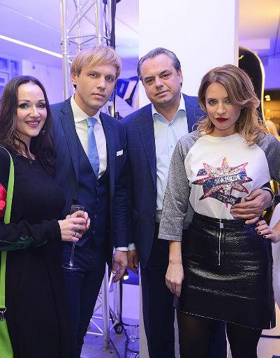 Алексей Леденев с женой, Виктория Шелягова с мужем Олегом Шеляговым