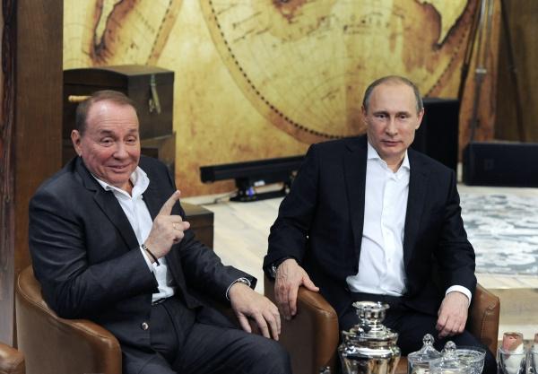 Александр Масляков во время встречи с  Владимиром Путиным в 2015-ом году