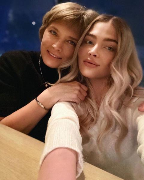 Алена Шишкова с мамой Надеждой