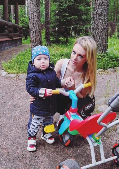 Милана с сыном Артемием Кержаковым