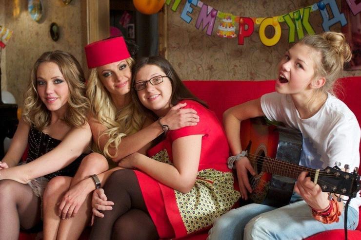 Таисия с коллегами по сериалу «Деффчонки»