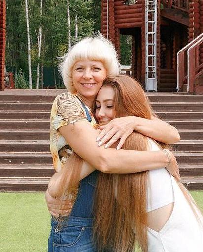 Татьяна Владимировна натерпелась от возлюбленных своих дочерей