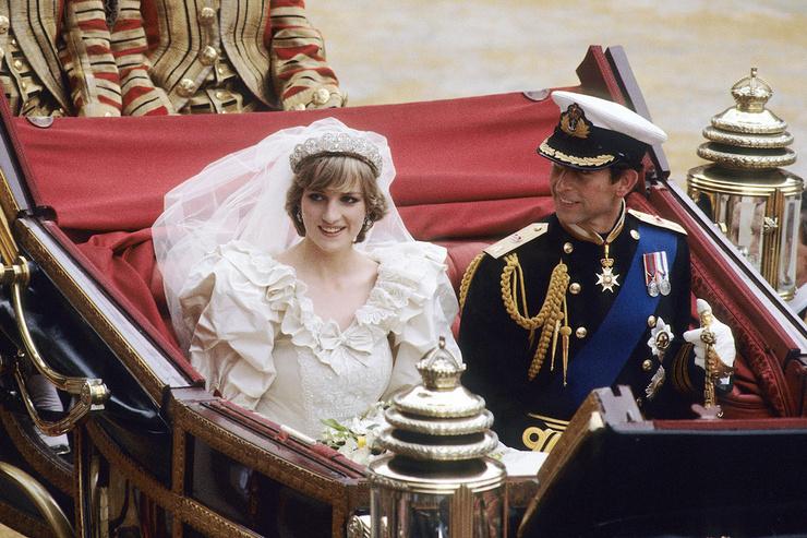 Брак Дианы и Чарльза трещал по швам задолго до его интервью