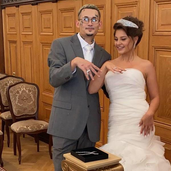 Моргенштерн с женой сняли обручальные кольца