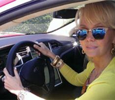 Валерия опробовала автомобиль будущего