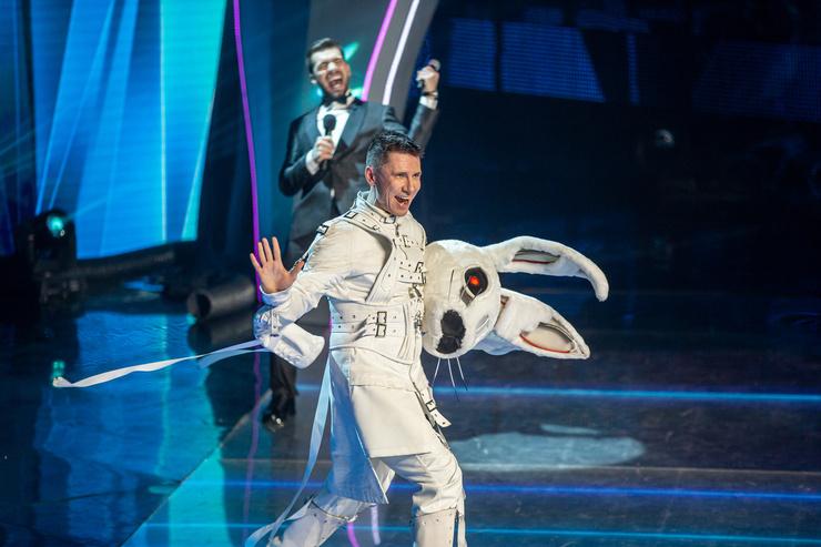 Джони впечатлили танцевальные способности Зайца, в котором прятался Тимур Батрутдинов