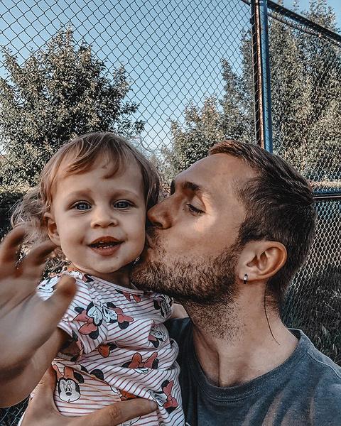 Вместе с дочкой