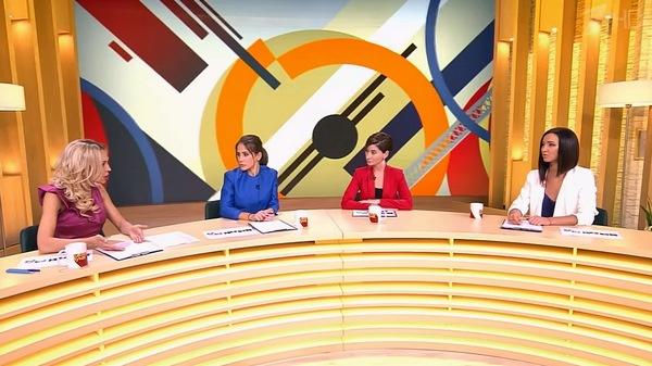 По замыслу продюсеров шоу, его ведущие должны были обсуждать актуальные и резонансные новости из разных сфер