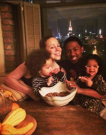 Мэрайя Кэри успела отпраздновать День благодарения не только с мужем и детьми
