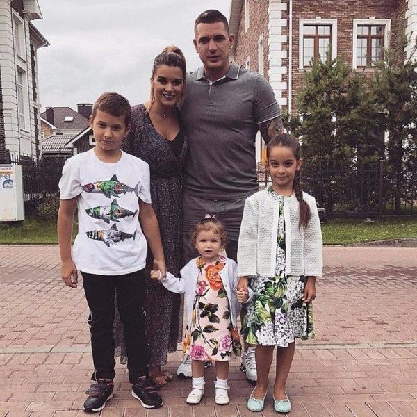 Ксения Бородина: «Сейчас меня вытащишь из дома только за большие деньги»