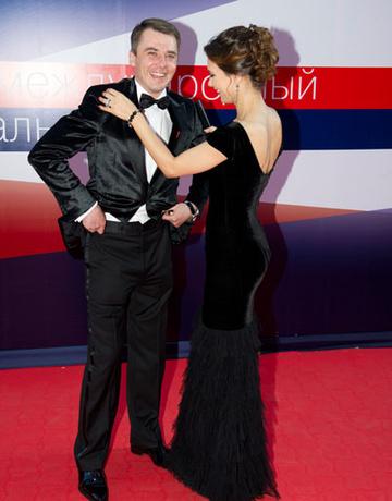 На ММКФ летом 2012 года пара трогательно позировала перед фотокамерами