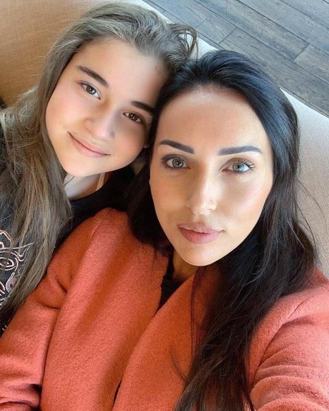 Алсу и Микелла Абрамова