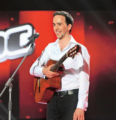 Эмиль Кадыров участвовал в четвертом сезоне шоу «Голос» под руководством Александра Градского