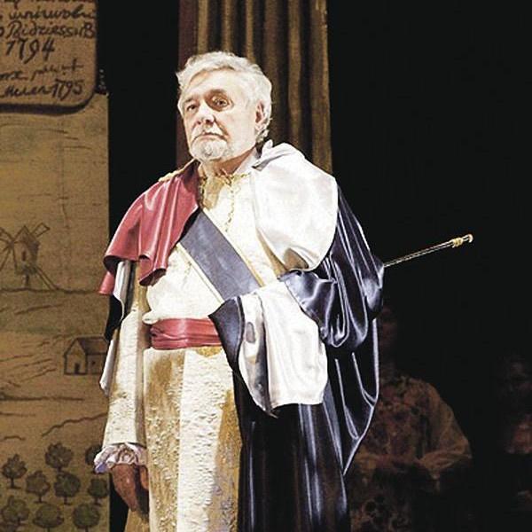 Ростислав Янковский на сцене Национального академического драматического театра имени М. Горького