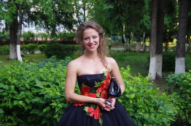 Дарья выросла и пошла учиться на врача