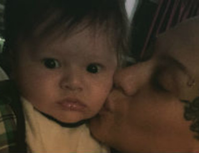Наргиз Закирова впервые встретилась с внуком