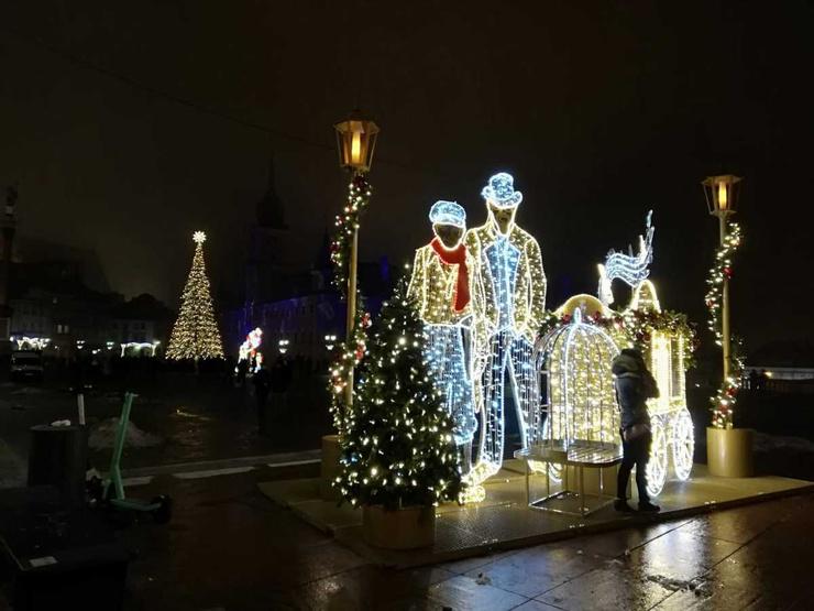 В Европе в этом году решили сэкономить даже на новогодней иллюминации