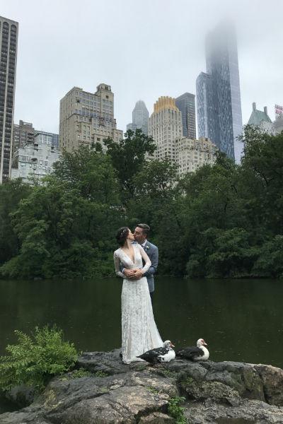 Андрей Самарцев и Анастасия Маркова решили сделать камерную свадьбу для самых близких