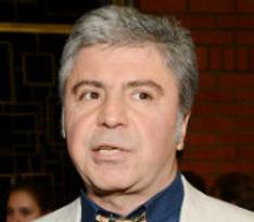 Сосо Павлиашвили получил на юбилей торт с поросенком
