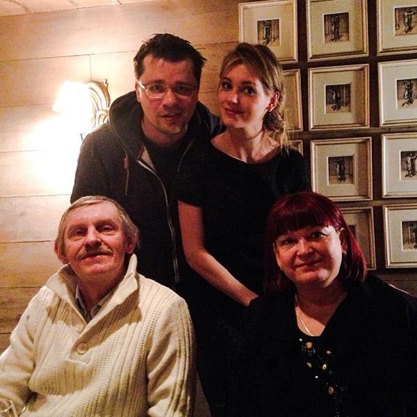 Гарик Харламов и Кристина Асмус с родителями Кристины