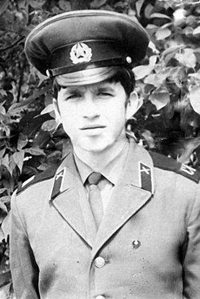 Сразу после окончания школы Александра забрали в армию