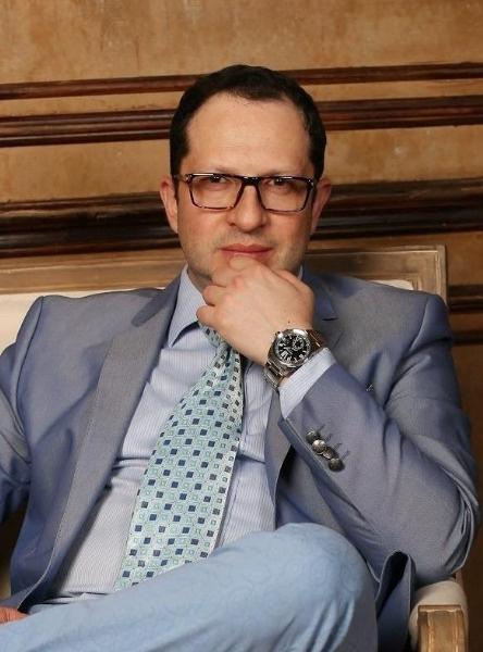 Александр Бенхин намерен сделать все, чтобы мошенники вернули Данко деньги