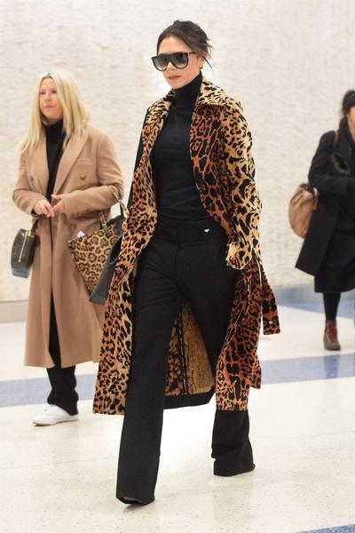 Дерзкое декольте Ники Минаж или «монашка» Лена Летучая – кому леопардовая шуба идет больше?