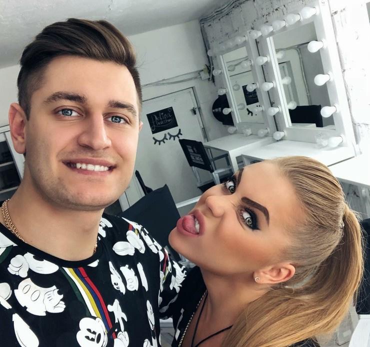 Манукян долго сотрудничал с Кариной Кросс