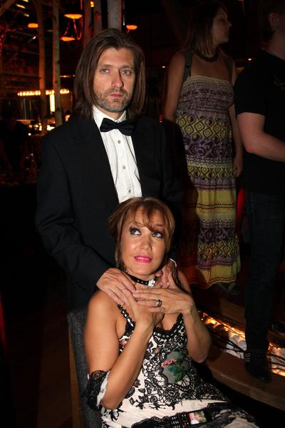 Азиза с бизнесменом Александром Бродолиным