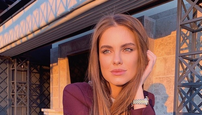 Дарья Клюкина увела бизнесмена у беременной художницы