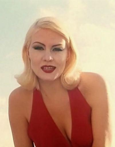 Будущая артистка снималась для рекламы различных брендов