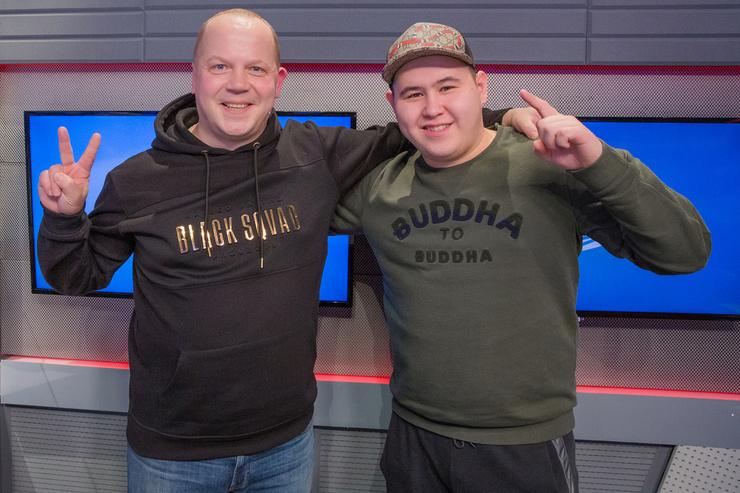 Иманбек Зейкенов с ведущим «Европы Плюс» Александром Генерозовым