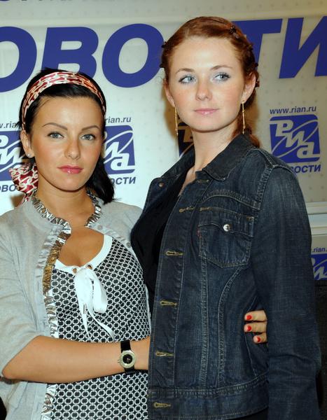 Юлия Волкова и Лена Катина