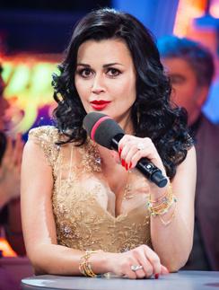 Сейчас у Анастасии Заворотнюк третий официальный брак – с фигуристом Петром Чернышевым