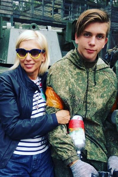 Григорий окончил кадетское училище