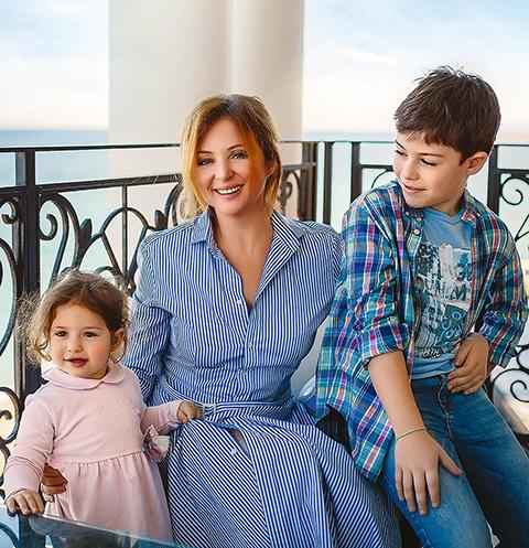 Анна с дочкой Машей и сыном Сашей провели отпуск у моря