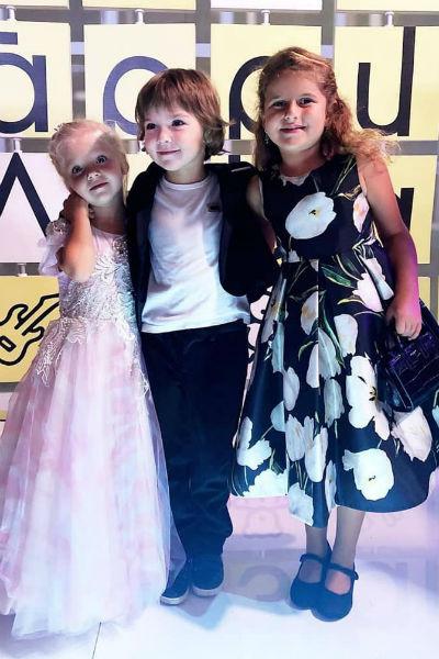 Лиза и Гарри и с дочерью певицы Жасмин Маргаритой