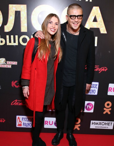 Антон Беляев с супругой
