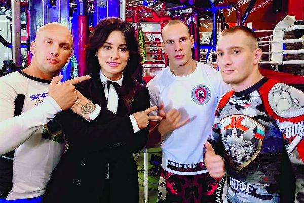 Тина познакомилась со спортсменами, участвующими в шоу