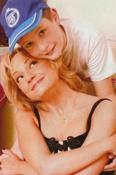 Татьяна гордится тем, что реализовалась не только как певица, но и как мама