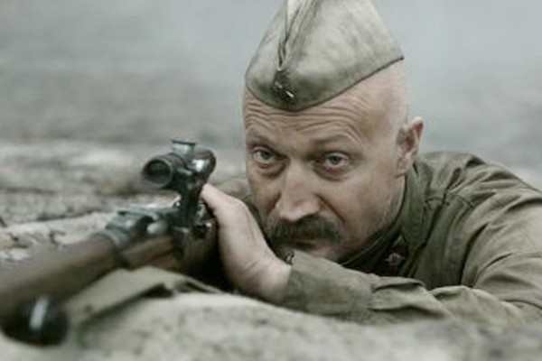 Куценко органично чувствует себя в военной форме