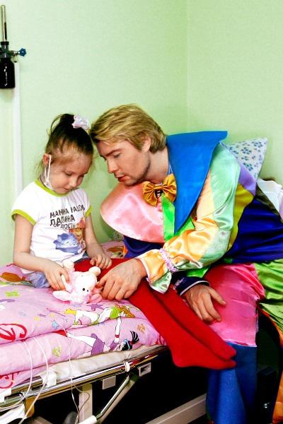 Николай уделил внимание каждому маленькому пациенту
