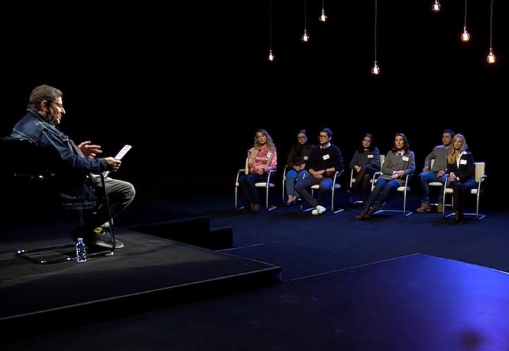 Психолог ведет собственное шоу