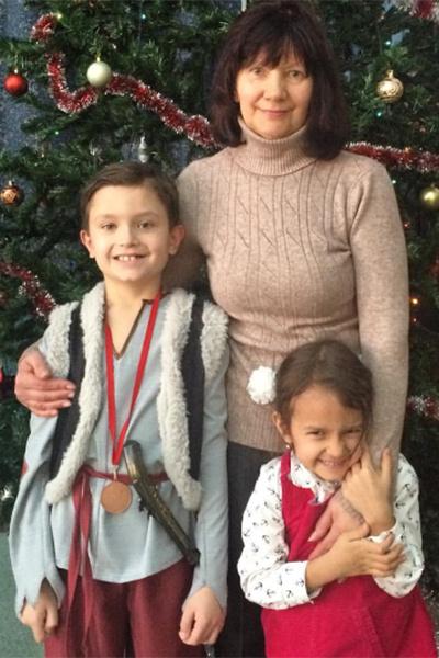 Первая жена Олега Митяева Светлана с внуками