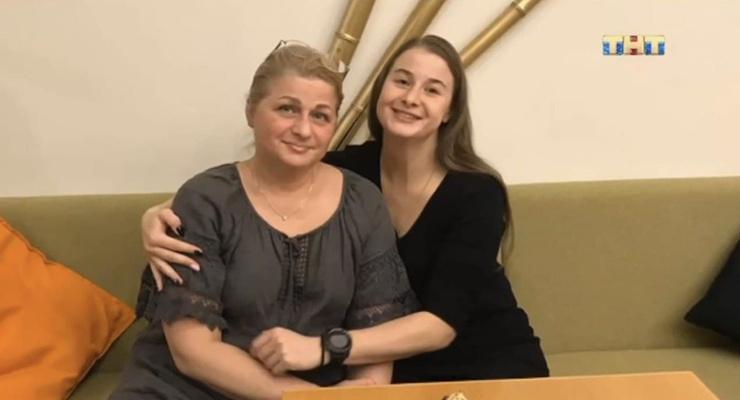 Элина Гисмеева с мамой