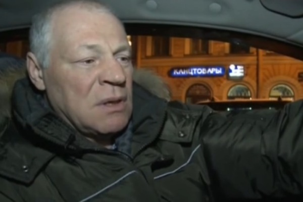 Супруг Крючковой был за рулем и не справился с управлением