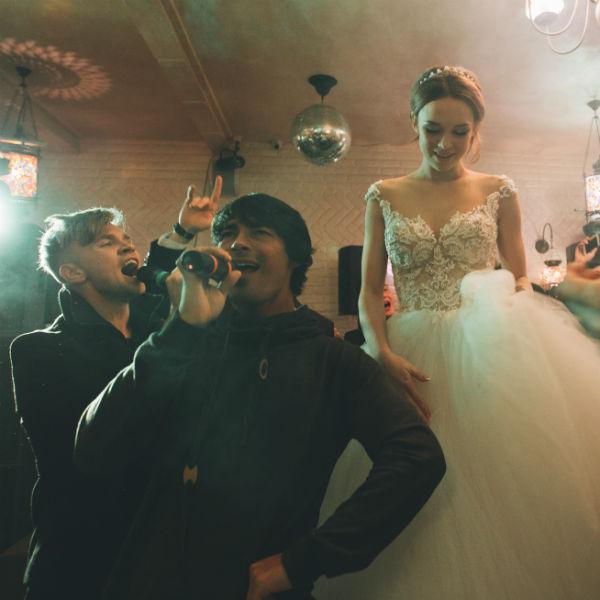 Компания ТехноПрокат предоставила звуковое оборудование для свадьбы