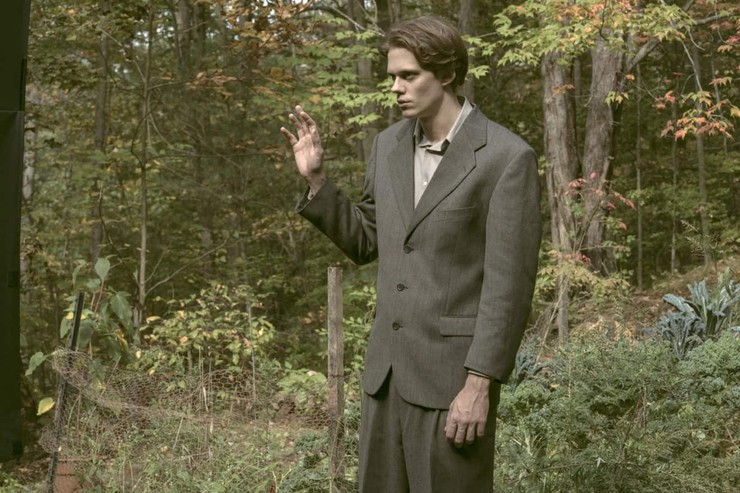Одну из главных ролей в сериале исполнил Билл Скарсгард.