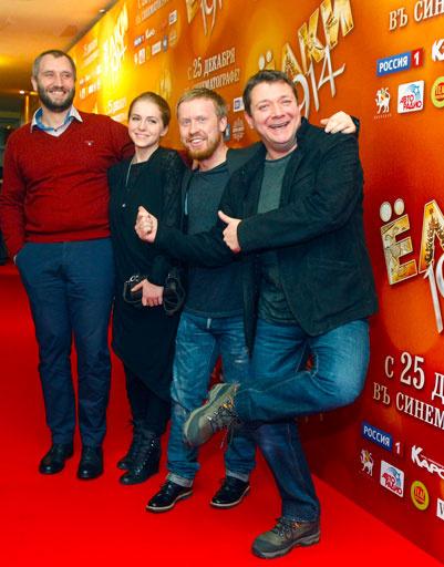 Антон Богданов с коллегами по фильму