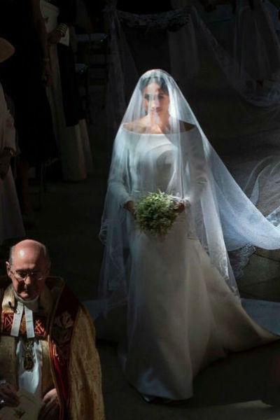 На свадьбу Меган и Гарри приехало несколько сотен именитых гостей